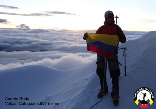 Andrés Rada conquista el Cotopaxi